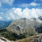 Gipfelausblick (links Berchtesgadener Flachland, rechts Hohes Brett)