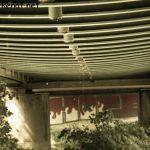 Wassertropfen unter der Brücke